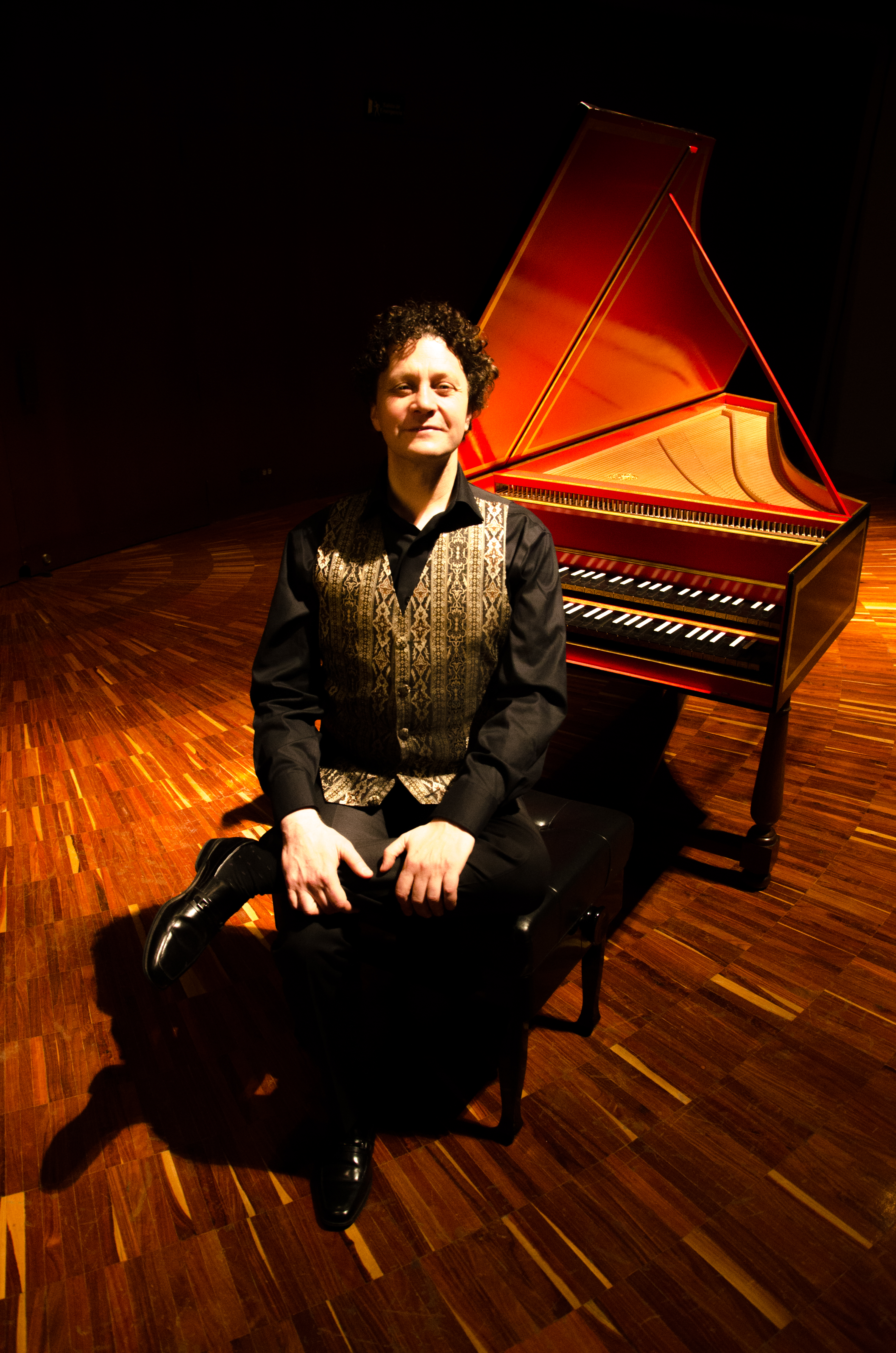 Internationally-acclaimed harpsichordist and conductor JORY VINIKOUR [Photo by Hermman Rosso]