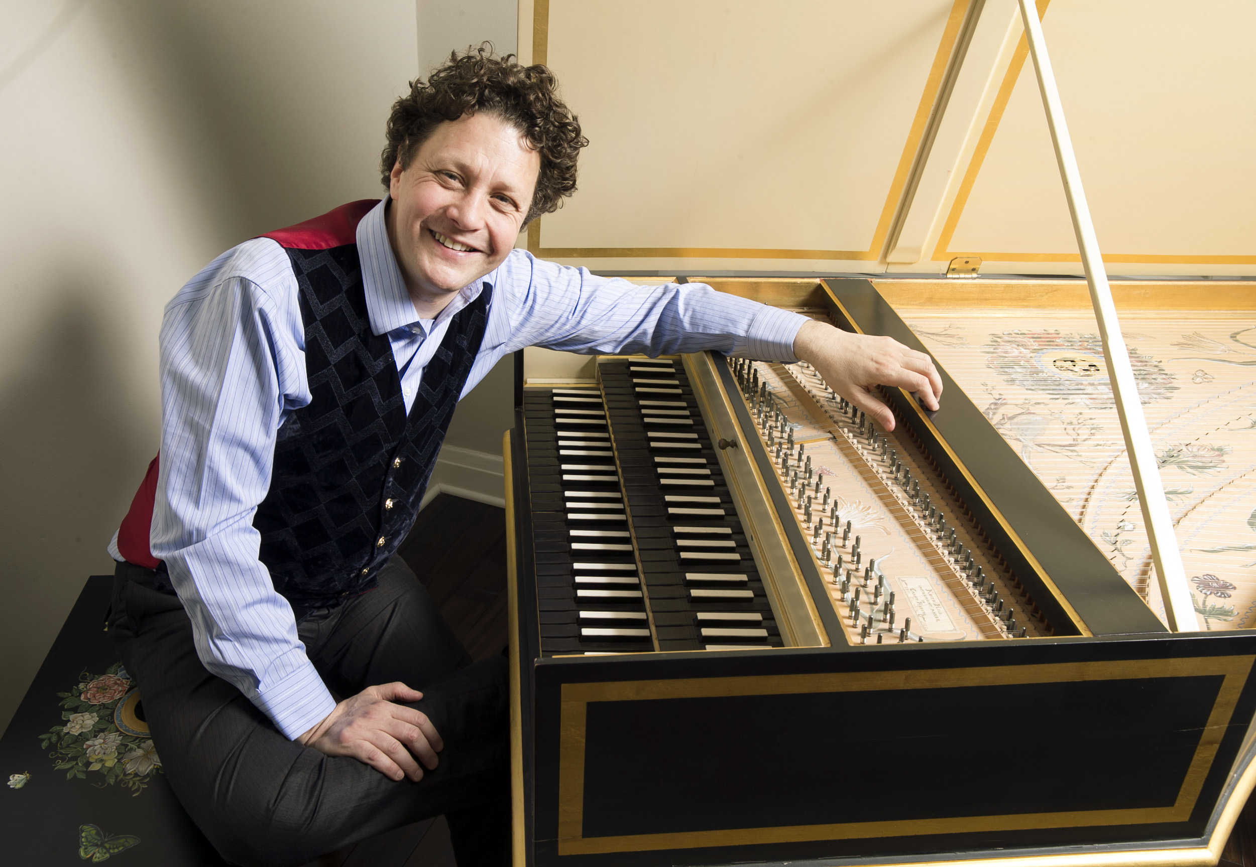 Internationally-acclaimed harpsichordist and conductor JORY VINIKOUR [Photo by Nuccio di Nuzzo]